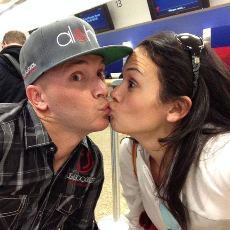 Rachel and Jase Kiss 2014